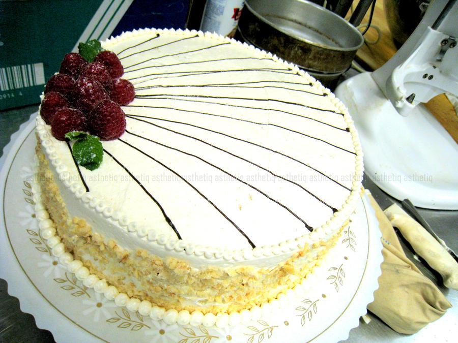 Hazelnut Praline Cake by asthetiq