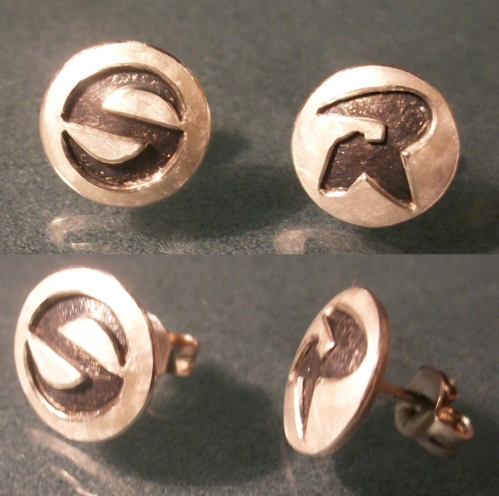 Slade+Robin earstudds by noirakasha