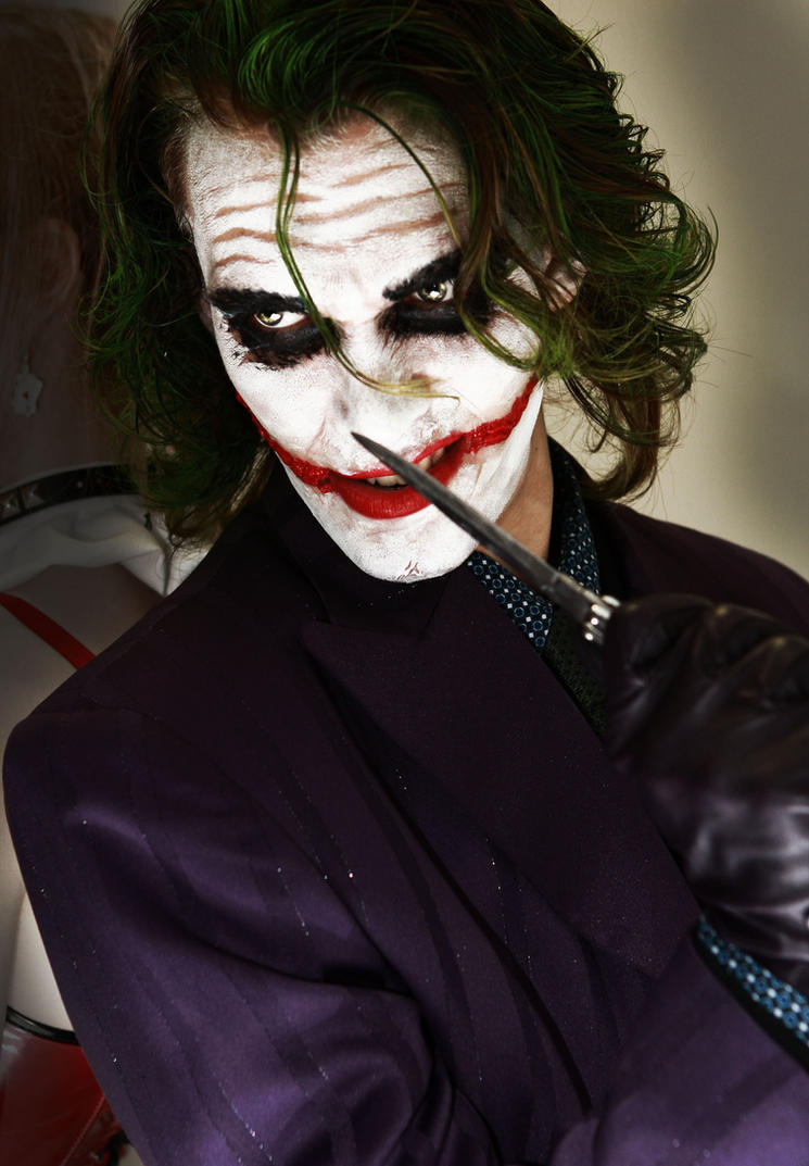 Want Trouble ? The Joker - Batman DC cosplay by Carancerth