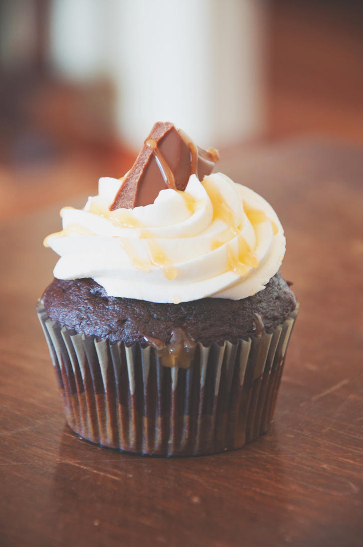 Chocolate Caramel Cupcakes by TantalizedBaker