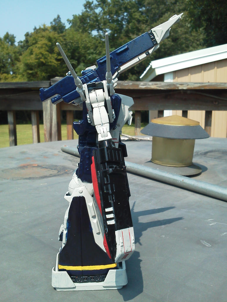 Revell Macross Attack Fortress SDF-1 (right side) by ...
