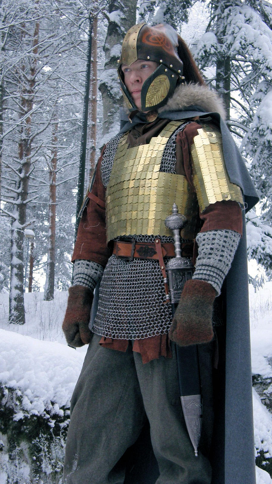 pseudo-medieval costume by Lathron