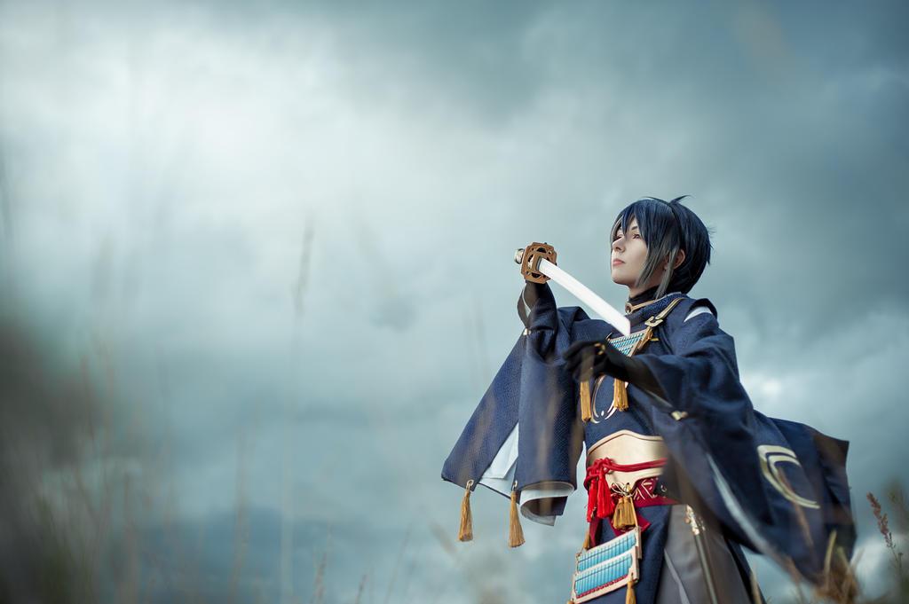 Mikazuki Munechika by HelgAl