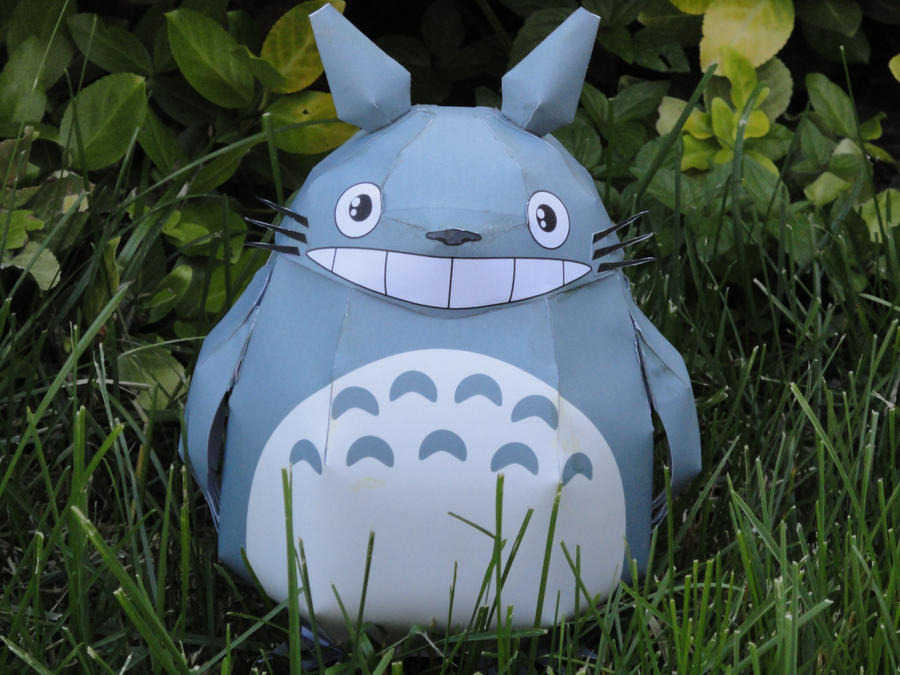Totoro Papercraft 2 by volleyballplayer13