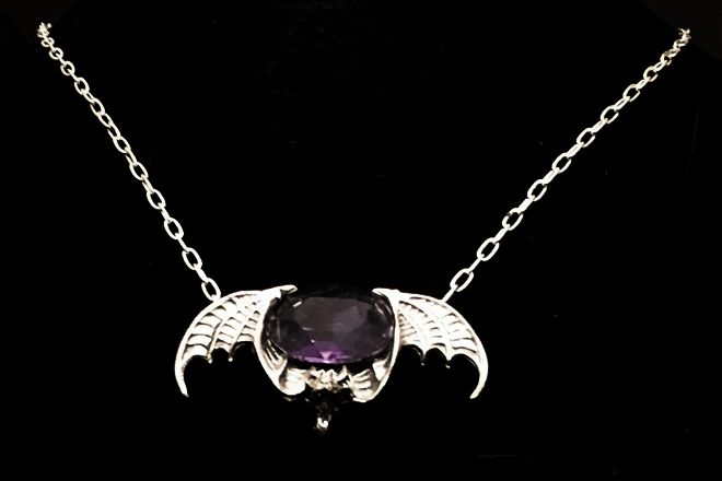Purple Velvet Bat by lilibat