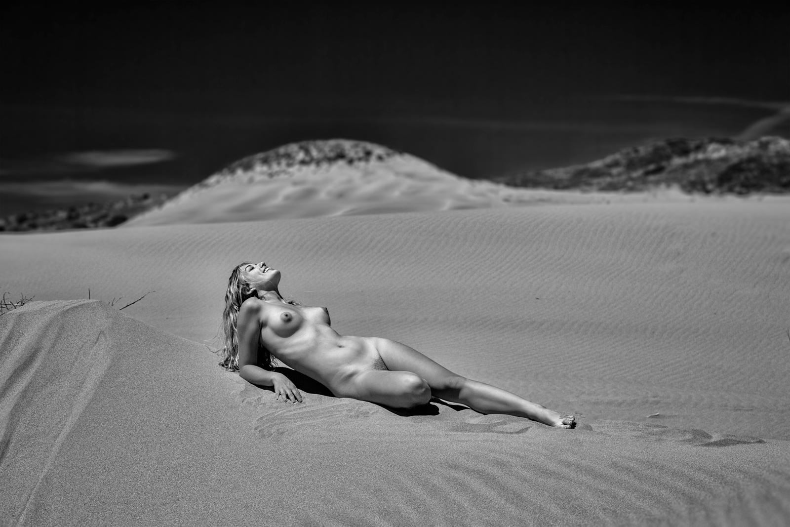 Nude favourites by Vertigo247 on DeviantArt