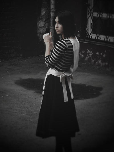 Alice: Madness Return (real world dress) by Graipefruit