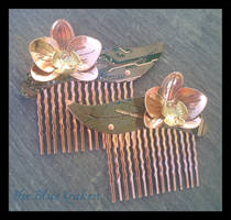 Orchid combs by thebluekraken