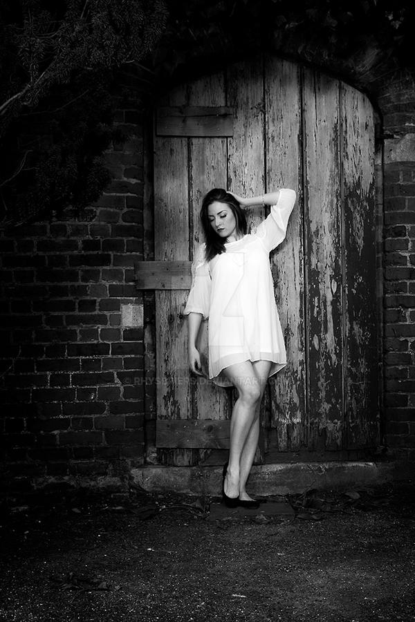 Model Shoot - Nonsuch Park 1 by RhysBriers