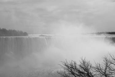 Horseshoe Falls by tashville