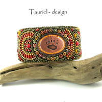 Bear foot steps - Tribal Woman collection