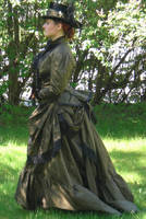Victorian Travel Gown by fairyfrog