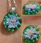 Momo's Hour-lily pendant