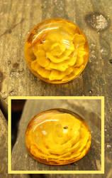 Amber intaglio solitaire rose cab