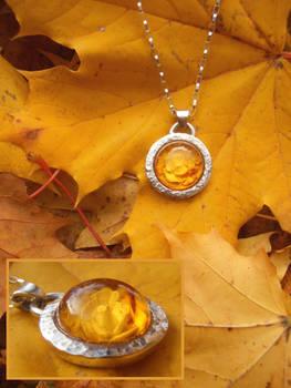 Autumn rose pendant