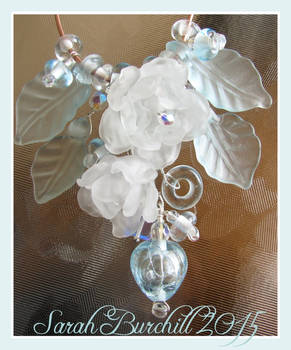 Snowblossom necklace in glass