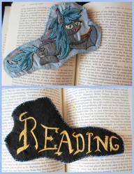 Reading batpony