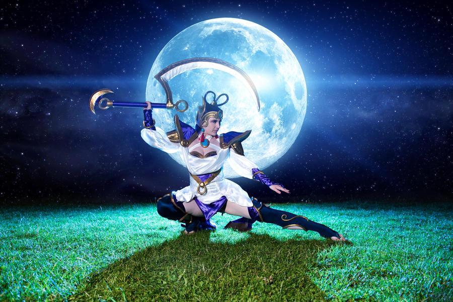 Lunar Goddess Diana Cosplay