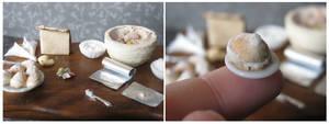 Cream puffs by MiniaturePastelz