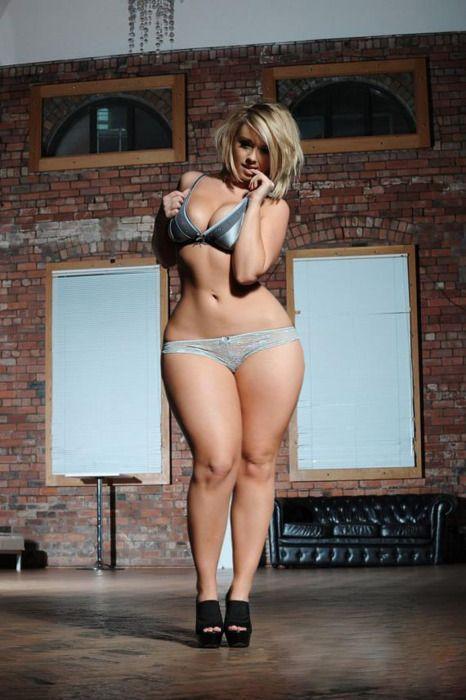 Hot girl curvy