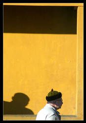 strange shadow by chinlop