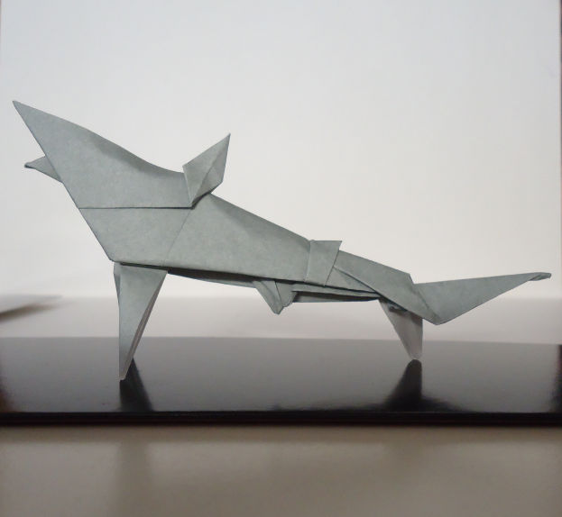 Shark Cootie Catcher - Origami for Kids - Easy Peasy and Fun | 574x623