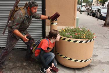 The Last of Us : Joel and Ellie waiting