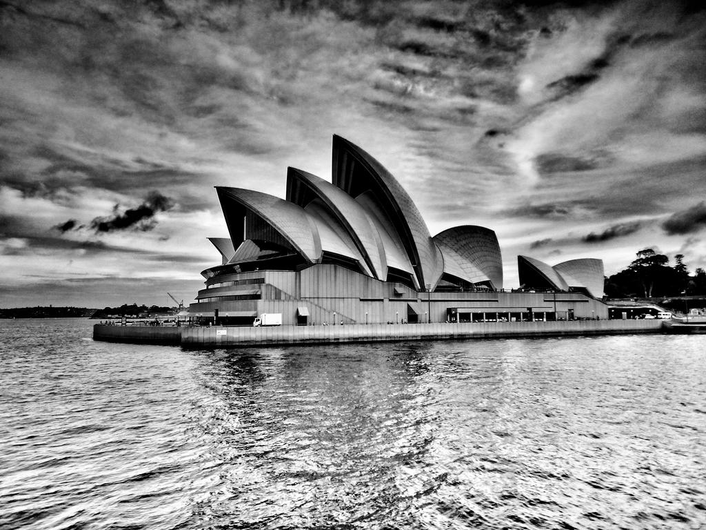 Building A Masterpiece The Sydney Opera House
