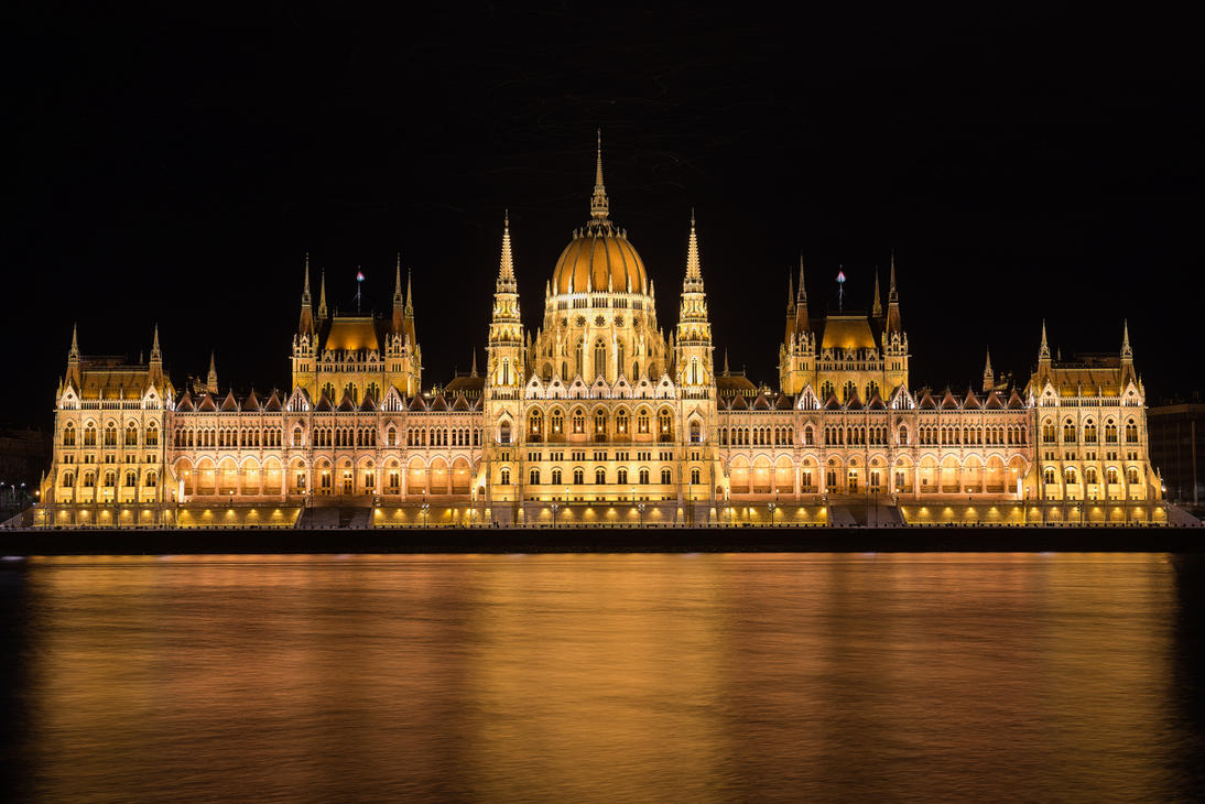 Hungarian Parliament by NicoFroehberg