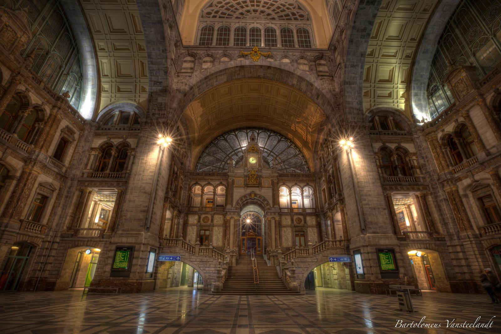 Central station antwerp belgium by bartoloman on deviantart for Interieur antwerpen