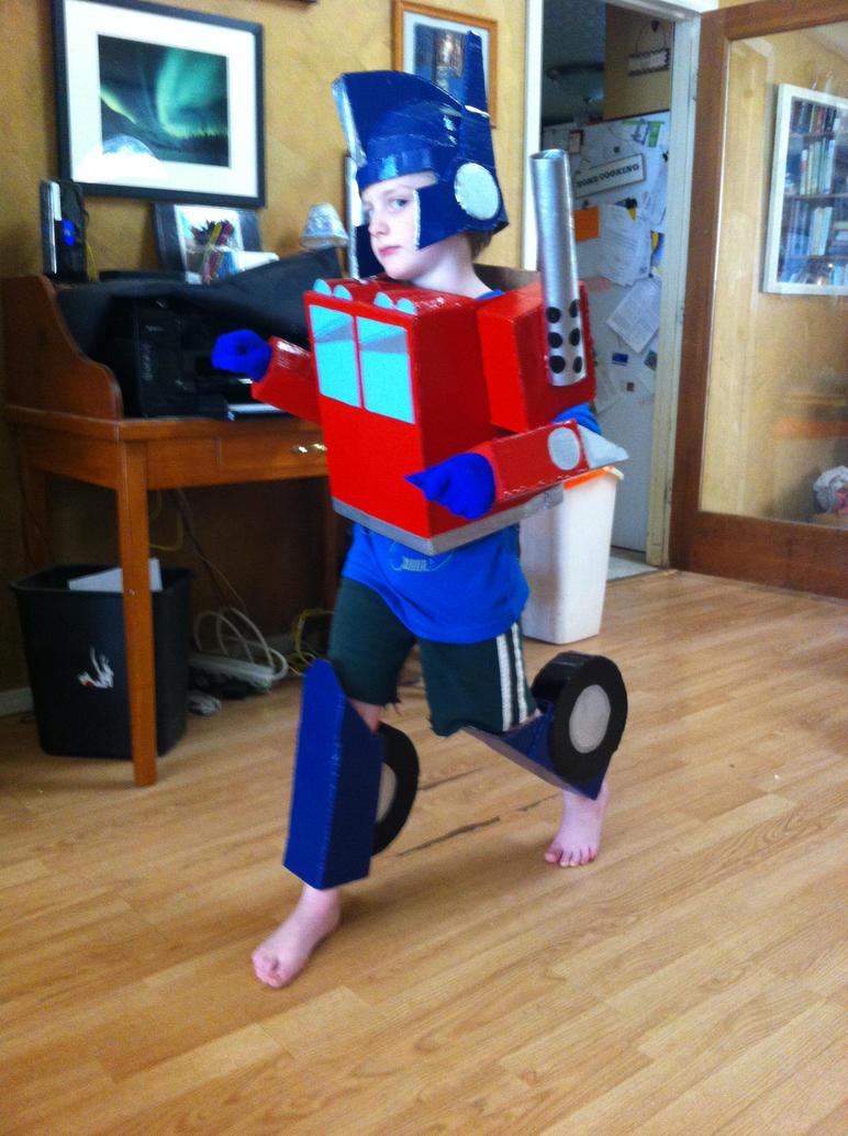 Optimus Prime by CreativeExcess