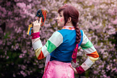 I can't wait to get into the fight! D.Va cosplay by Juriet
