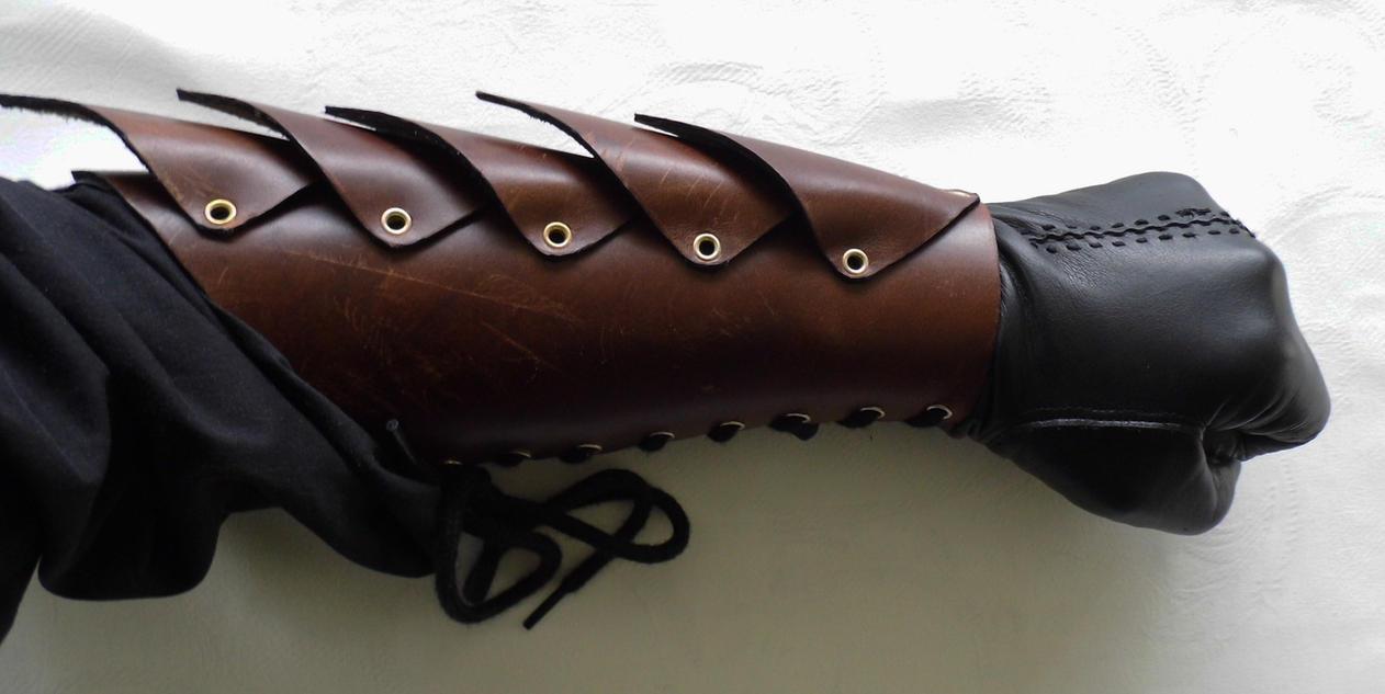 Leather Gauntlet by vanbangerburger