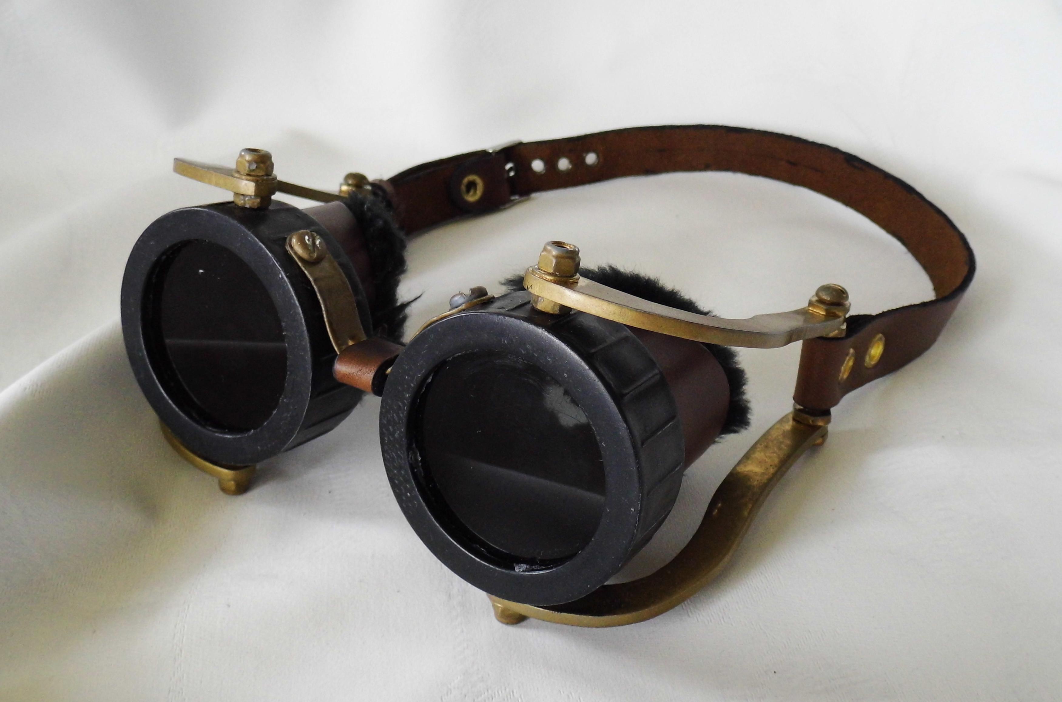 Steampunk Goggles - shaded by vanbangerburger