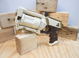 New Imperial Guard Sidearm - front - RoyalRange