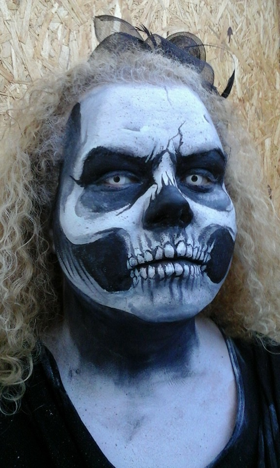 Skull facepaint for haunt by ZyPressQ