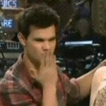 Taylor send a kiss by brockyaoi