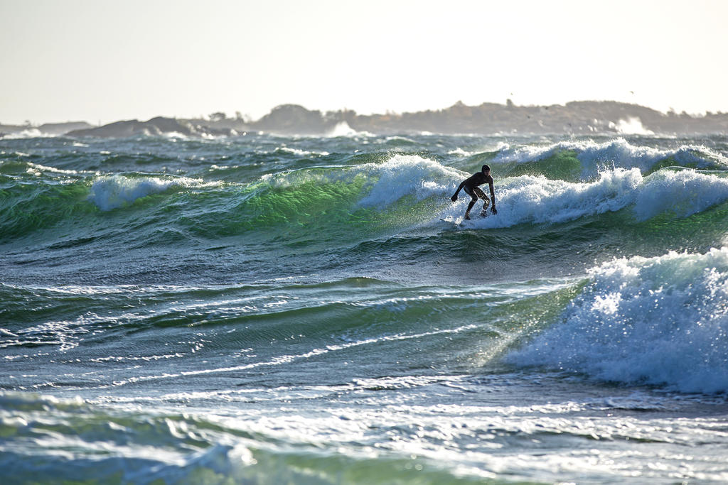Surfing at Toroe /5 by attomanen