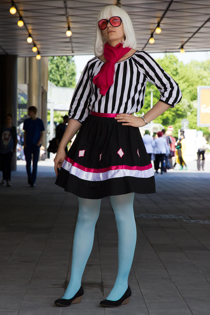 Walk walk fashion baby! (Photo Finish Cosplay) by SukiStar