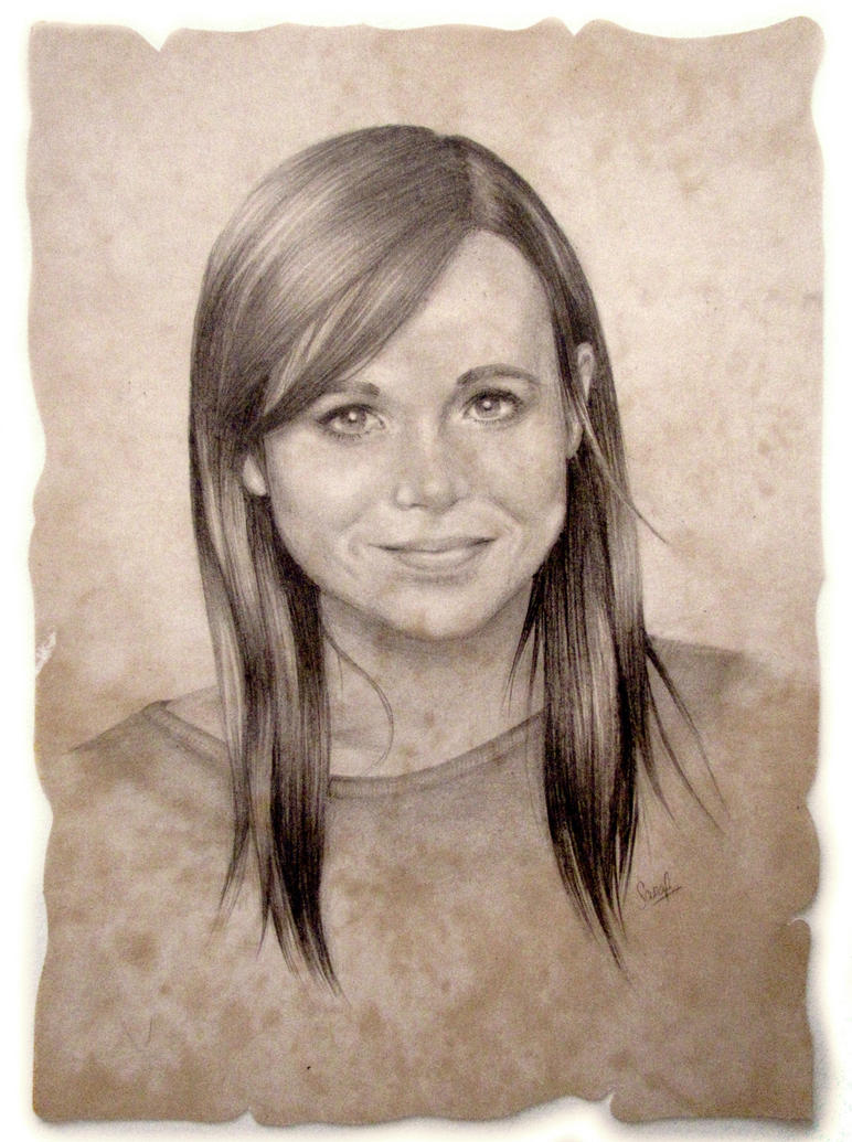 Ellen Page by Sarickbanana