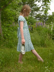 1940s Girl In The Garden 072