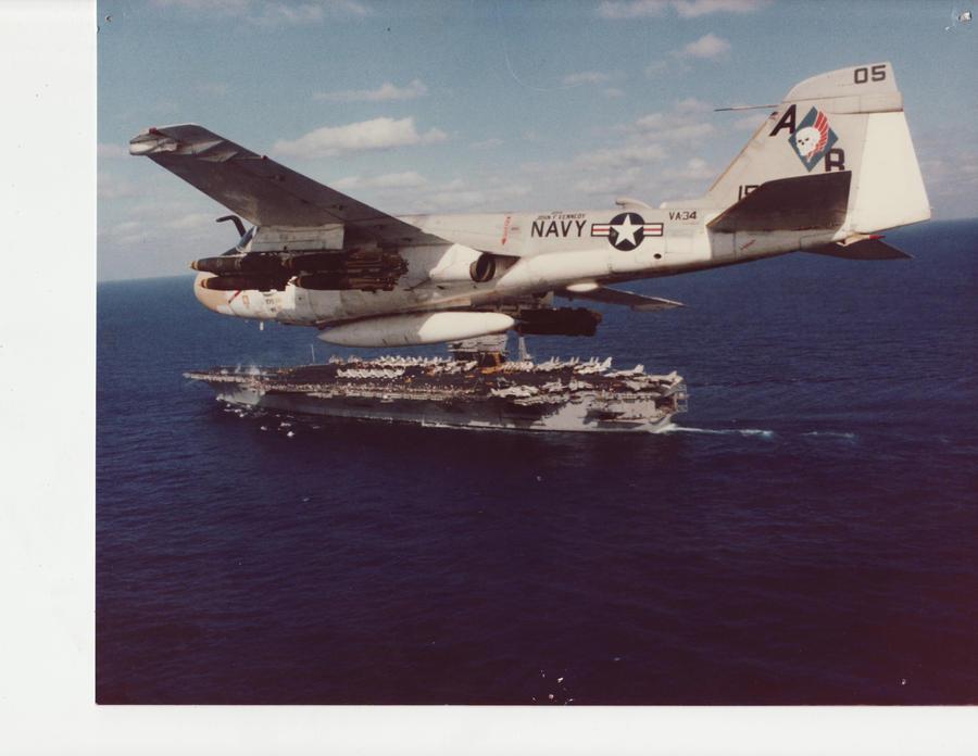 Grumman A-6 Intruder y EA-6B Prowler A6_intruder_by_charteam-d2ytlra