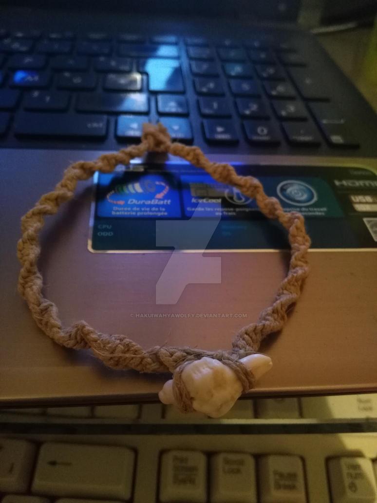shell bracelet by HakuiWahyaWolfy