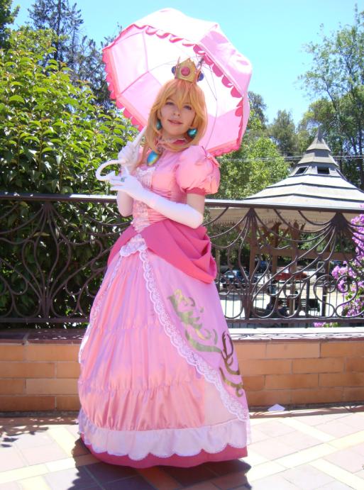 "Cosplay ""Princess Peach"" by Honoka"