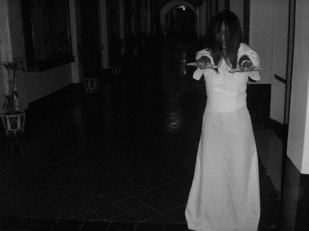 White Lady In The Hall By Artephie On Deviantart