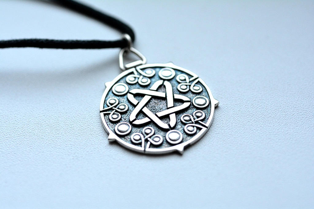 Witcher 3 wild hunt Yennefer medallion by Worldofjewelcraft