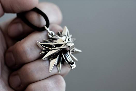 Witcher 3 wild hunt Wolf medallion