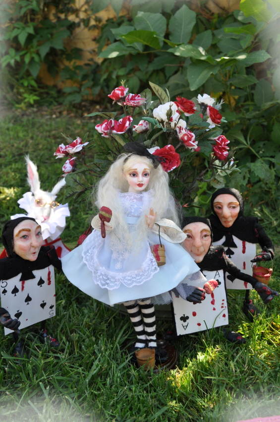 PAINTING THE ROSES RED ALICE IN WONDERLAND BJD by SutherlandArt
