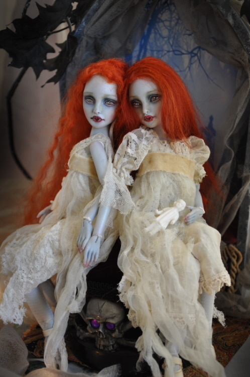 Vampire Twins ball jointed dolls by Sutherland by SutherlandArt