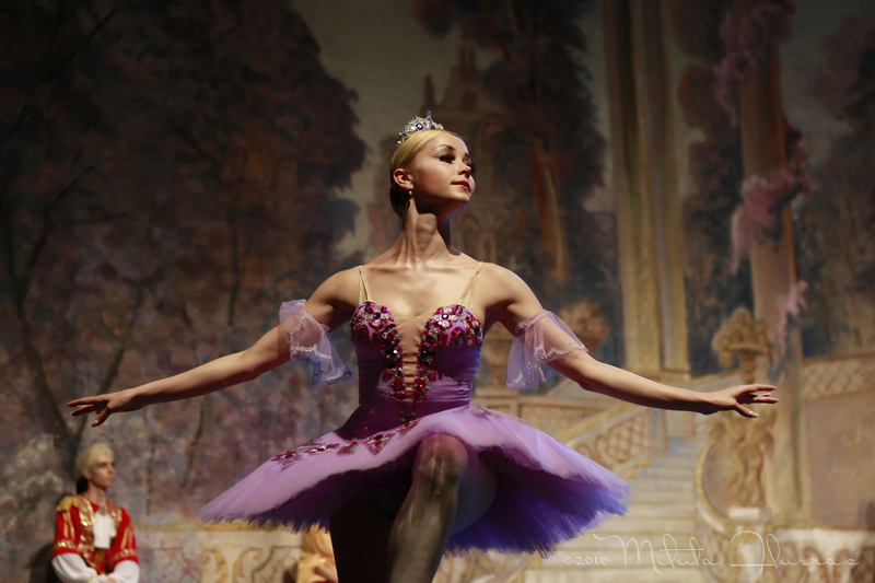 Balerina - Page 2 Walking_in_the_air_by_hipster7
